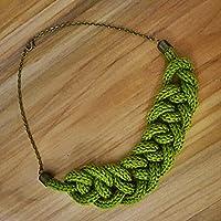 Necklace Collezione Filo in lana bio Colore verde muschio