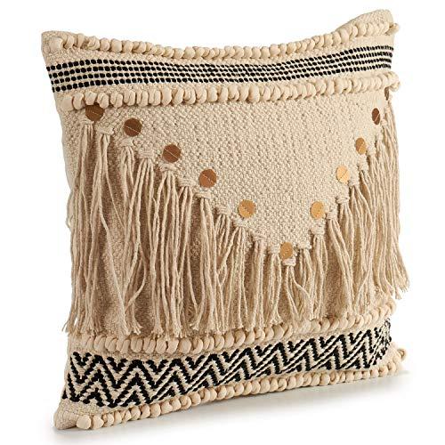 Cojín Decorativo de Punto Beige con Motivos de algodón en Beige y Negro con Lentejuelas y Flecos. Medidas: 45x15x45 cm