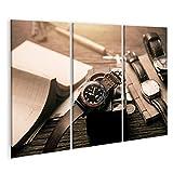 Bild Bilder auf Leinwand Nahaufnahme Armbanduhr für Männer mit schwarzem Zifferblatt blau-rote Lünette und Lederarmband Armbanduhr mit Vintage-Herrenobjekten. Wandbild Poster Leinwandb