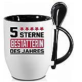 2 Tassen BESTATTERIN + WM Pott. Schwarzer Becher und Fussballtasse. Siehe auch Produktbild 2.