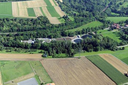 MF Matthias Friedel - Luftbildfotografie Luftbild von Kläranlage in Leonberg (Böblingen), aufgenommen am 05.08.09 um 10:13 Uhr, Bildnummer: 5373-01, Auflösung: 6048x4032px = 24MP - Fotoabzug 50x75cm