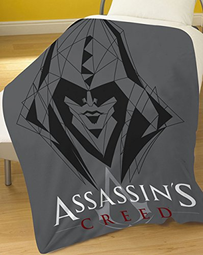 assassins-creed-coperta-in-pile-100-percento-poliestere-colore-grigio-120-x-150-cm
