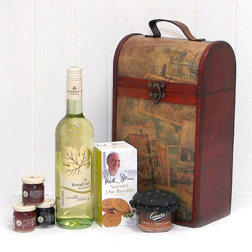Broadleaf White Wine 750ml and Food Hamper Presented in a Clarendon Vintage Style Chest - Gift ideas for Father's Day, Birthday, Anniversary and Corporate