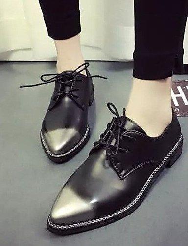 ZQ hug Scarpe Donna-Sneakers alla moda-Tempo libero / Casual-Comoda / A punta-Piatto-Finta pelle-Nero / Rosso / Argento , silver-us8 / eu39 / uk6 / cn39 , silver-us8 / eu39 / uk6 / cn39 black-us5.5 / eu36 / uk3.5 / cn35
