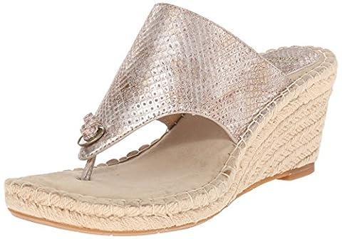 Johnston & Murphy Women's Ainsley Thong Wedge Sandal, Champagne Metallic, 10 M US
