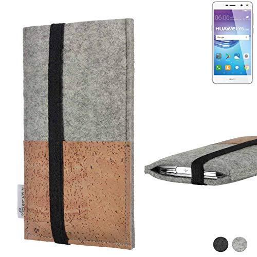 flat.design Handy Hülle Sintra für Huawei Y6 2017 Single SIM Handytasche Filz Tasche Schutz Kartenfach Case Kork