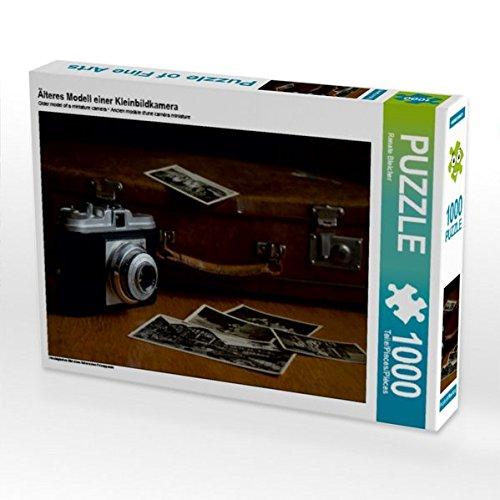 Älteres Modell einer Kleinbildkamera 1000 Teile Puzzle quer: Nostalgisches Bild eines historischen Fotoapparats (CALVENDO Hobbys)