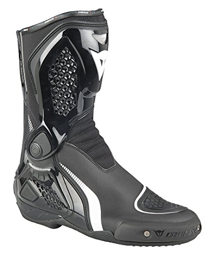 Dainese Motorradstiefel TR-Course Out im Test