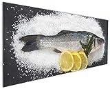 Wallario Küchenrückwand aus Glas, in Premium Qualität, Motiv: Fischmenü - Frischer Fisch auf Salz mit Zitronen | Spritzschutz | abwischbar | Pflegeleicht