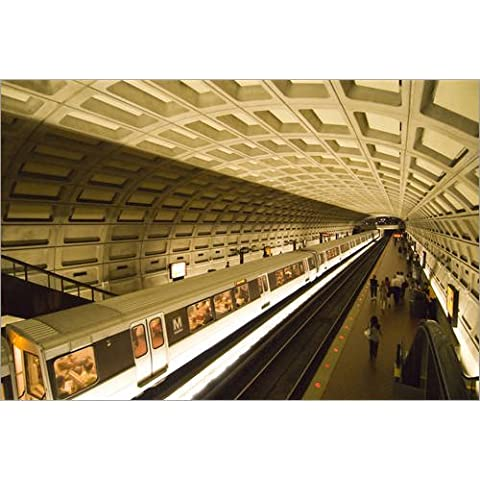 Alu Dibond 60 x 40 cm: Washington DC, USA. The Metro, at Dupont Circle, public underground transportation. di Lee Foster / Danita Delimont