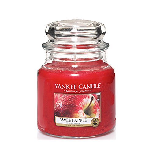 Yankee Candle Classic Housewarmer Mittel, Sweet Apple, Duftkerze, Raum Duft im Glas/Jar, 1304332E (Red Candle Apple Yankee Wreath)