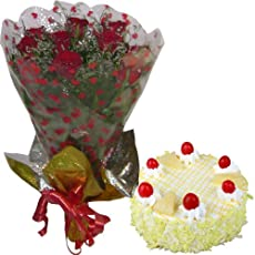 GRAND COMBO - 12 Red Roses Hand Bunch with Half KG Pineapple Cake