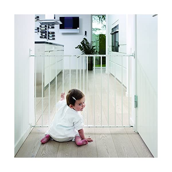 Safetots Extending Metal Gate, 62.5 to 106.8 cm, White Safetots Screw fitting white metal gate Two way opening. double locking mechanism. one handed operation Made up of two panels which are self expandable 2