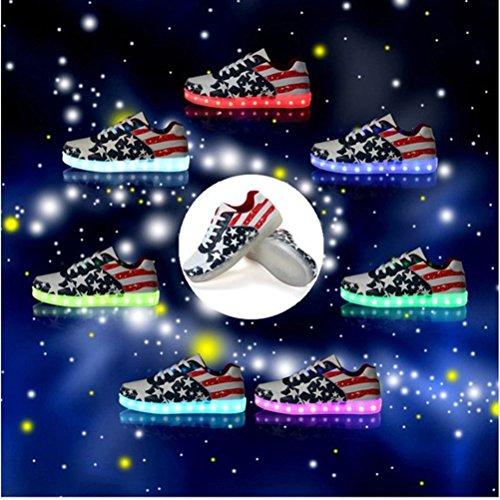 [Présents:petite serviette]JUNGLEST® 7 Colors Unisexe Femmes Hommes LED Light Up Glow Chaussures de recharge USB lumineux clignotant Chaussures Flag USA Étoile Sneakers initial