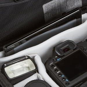 Espace de rangement pour appareil photo à focale fixe et accessoires