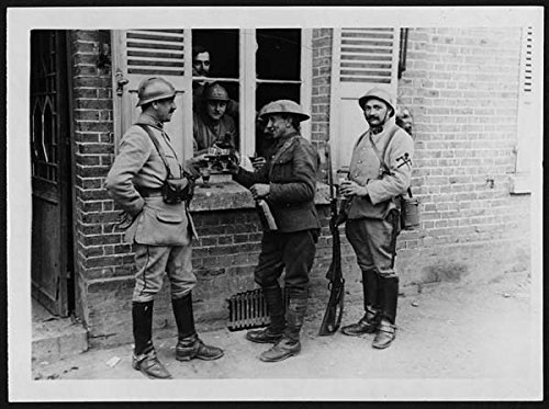 poster-cheerio-british-and-french-soldiers-drinking-wine-together-france-during-world-war-i-adapting