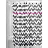 iDesign Chevron Duschvorhang Textil | pflegeleichter Duschvorhang aus Stoff mit verstärkten Löchern | Badewannenvorhang mit Zickzack-Muster | Polyester grau/violett