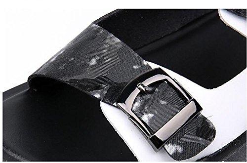 SYYAN Uomo Spiaggia Cuoio in Microfibra Confortevole Cucitura Aprire il Piede Fatto a Mano Sandali All'aperto Silver