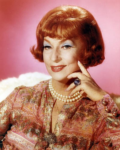 Moviestore Agnes Moorehead als Endora in Bewitched 25x20cm (Endora Bewitched)