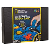 National Geographic Ocean Play Sand - 2 Pounds of Play Sand, 6 Molds, 6 Ocean Animal Figures, Activity Tray, A Kinetic Sensory Sand Activity Kit for Boys and Girls