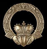 Keltisches Wandrelief - Der Claddagh-Ring - Symbol Vertrauen Liebe Loyalität Wicca Deko