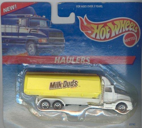 hot-wheels-haulers-milk-duds-by-hot-wheels
