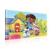 TapetoKids Leinwandbild Disney Doc McstuffinsSpielzeugärztin mit Plüschtieren - M - 60 x 40 cm - Komplettpaket! - fertig gerahmt und inklusive Aufhängung - hochwertige 230g/m² Leinwand auf Keilrahmen - kinderleichte Anbringung