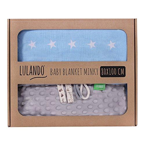 LULANDO Babydecke Kuscheldecke Krabbeldecke aus 100{0d85fbb6f6bb363d55de60b203cfc66f8551c55a62d7f04170ba1c32aface480} Baumwolle (80x100 cm). Super weich und flauschig. Kuschelige Lieblingsdecke für Ihr Baby. Farbe: Grey - White Stars / Blue