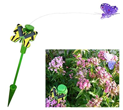 Der wunderbare, solarbetriebene Schmetterling, der fliegt und flattert wie ein echter Schmetterling