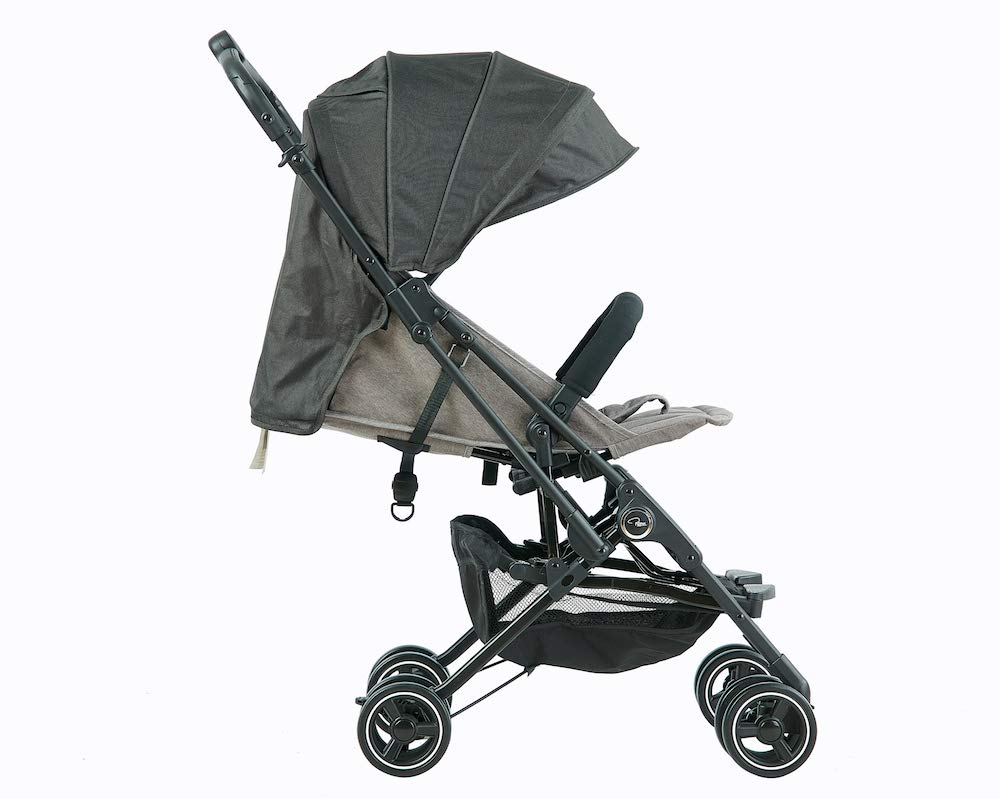 Roma Capsule² Compact Airplane Travel Buggy from Newborn + Rain Cover, Insect Net and Travel Bag, Only 5.6 kgs - Grey with a Black Chassis Roma Compact lie-back stroller - suitable from newborn to 15 kgs Includes rain cover, insect net, travel bag Locked and swivel wheels, shopping basket, 1