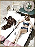 Kunstloft® fotografía artística enmarcada 'Sr. Cool en la Piscina' 60x90cm | fotografía contemporánea Cubierta por Vidrio | Mujer Mono Marrón Blanco | fotografía artística Marco de Aluminio