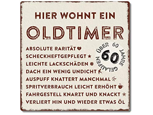 Interluxe Metallschild 20x20cm -Hier wohnt EIN Oldtimer 60 - wetterfestes Schild zum 60. Geburtstag Geschenkidee für Papa, Opa, Freund, Kollege oder Nachbar