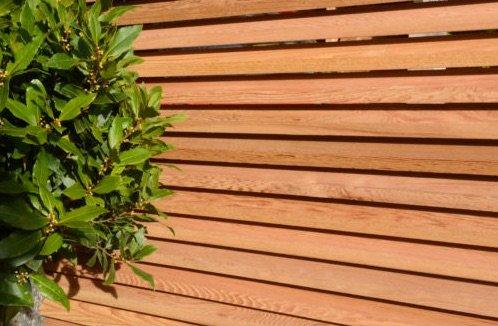 Listones madera dura sapeli utilizados construcción
