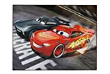 Aminata Kids Teppich Kinderzimmer Jungen Auto Disney Cars 95x125 cm * Made in Europe * rutschhemmend lärmhemmend* Kinderteppich Lightning McQueen Jackson Storm Rennwagen Spielteppich Spielunterlage