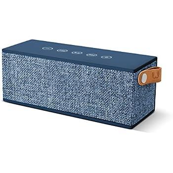 Fresh 'n Rebel Speaker Rockbox Brick Fabriq Edition, potente altoparlante Wireless portatile 12W, Extra Bass, Bluetooth, tasti touch, funzione powerbank + vivavoce, in tessuto, Compatibilità Smartphone/Tablet/laptop e MP3, blu Jeans (Indigo)