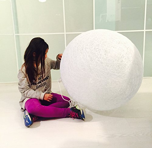 Lámpara de sobremesa esfera decorativa de hilo de algodón, artesanal, hecha a mano 50 cms.