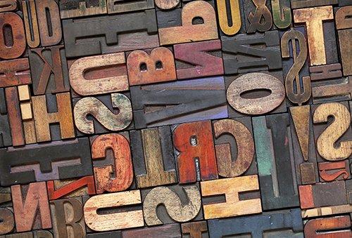 Printodecor - Alfombra Vinílica Impresa, Multicolor (Vintage Letras), 143 x 97 cm