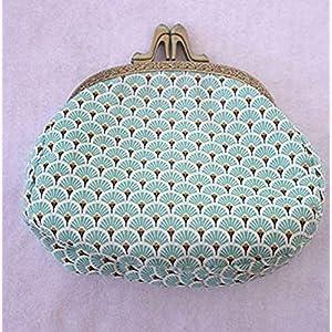 Handtasche mit Öffnungsgriff in Form eines Schuhs und Metallgriff mit japanischem Motiv