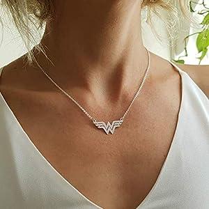 Zarte Wonder Woman Handgemachte Halskette Sterlingsilber - Superheldensymbol - Geschenk für Frauen, Mädchen und Mutter D2118