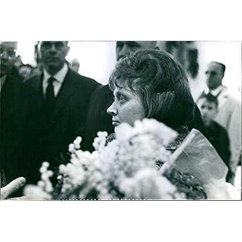 Vintage Foto Di Una Foto Di Una Donna Looking Up sideface. (Capo Supremo)