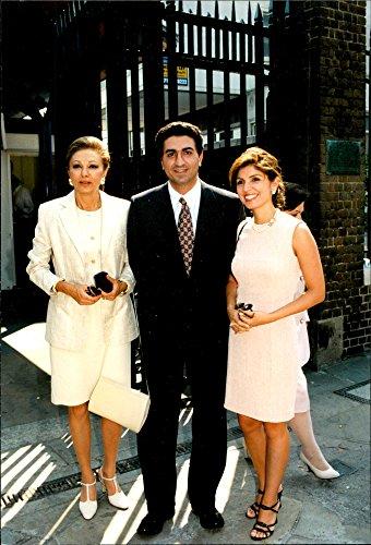 vintage-photo-of-farah-dibah-along-with-her-son-reza-and-daughter-yasmin-the-albeniz-palace