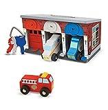 Melissa & Doug Rettungsdienstgarage aus Holz mit Fahrzeugen (8 Teile)