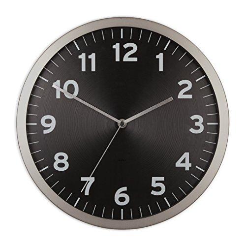 UMBRA Anytime clock black. Horloge murale silencieuse Anytime en métal, dimension 31.8 de diamètre par 3.9cm. Coloris noir.