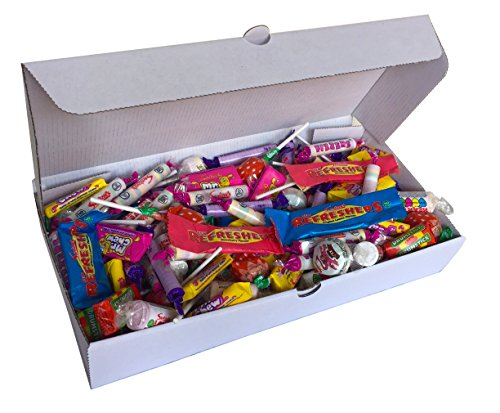 BEST VALUE Retro Sweets Gift Box on the market with 1KG of tasty retro sweets