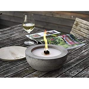DAS PERFEKTE GESCHENK: Beske-Betonfeuer mit 'Dauerdocht' | Ø 24cm mit großer Brennkammer | Wiederbefüllbare Gartenfackel | 'Unendliche' Brenndauer durch umweltfreundliches Recycling von Kerzenwachs