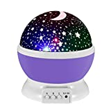 Lampada di Illuminazione Notturna, Rotante Stella Luna Cielo Proiettore per Bambini Camera da Letto (4 Perle Luminose LED,3 Luci di Modalità,Powered by DC5V/AAA Batteria e Cavo USB) (Viola)