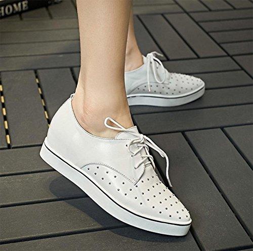 chaussures pour femmes à fond épais simples chaussures de dentelle rivets Mme printemps et l'automne Mme chaussures chaussures d'ascenseur White