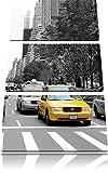 Taxis in New York schwarz/weiß 3-Teiler Leinwandbild 120x80 Bild auf Leinwand, XXL riesige Bilder fertig gerahmt mit Keilrahmen, Kunstdruck auf Wandbild mit Rahmen, gänstiger als Gemälde oder Ölbild, kein Poster oder Plakat