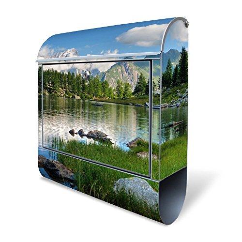 Banjado Design Briefkasten mit Motiv Gebirgssee | Stahl pulverbeschichtet mit Zeitungsrolle | Größe 39x47x14cm, 2 Schlüssel, A4 Einwurf, inkl. Montagematerial