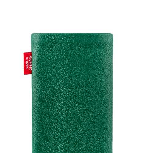 fitBAG Beat Cognac Handytasche Tasche aus Echtleder Nappa mit Microfaserinnenfutter für Apple iPhone 6 Plus / 6S Plus / 7 Plus (5,5 Zoll) | Schlanke Hülle als edles Zubehör mit praktischer Reinigungsf Beat Smaragd